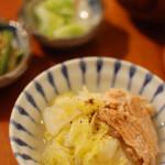 家飲み献立 1/26 鮭と白菜の煮物、葱のきんぴら。