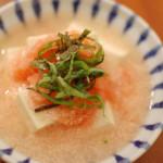 たらこ豆腐、菜の花のおひたし。