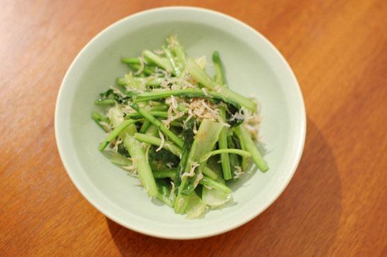 蕪の葉としらすの炒めもの レシピ