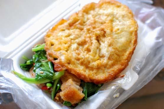 カイラン菜とカリカリ豚炒め