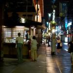 夜の巣鴨を歩く、そしてときわ食堂。東京散歩・豊島区