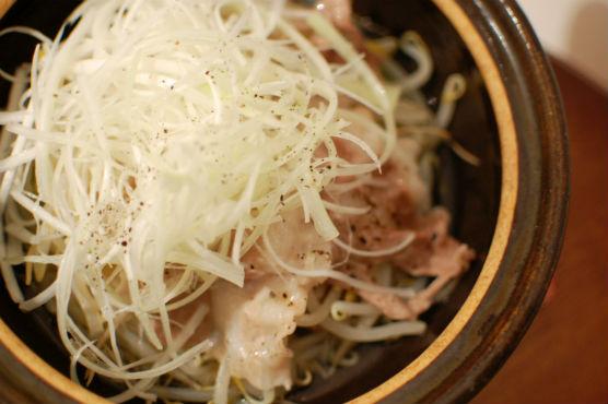 豚バラともやしの蒸し鍋