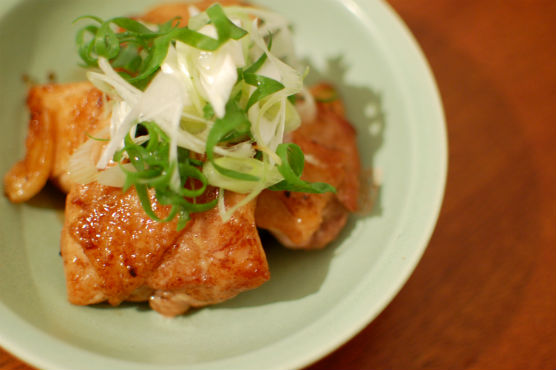 鶏もも肉のソース焼き