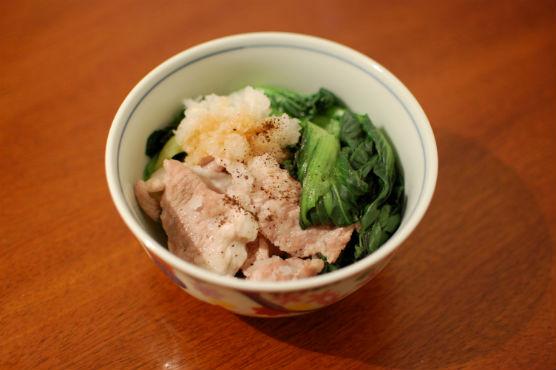 タアサイと豚肉の酒蒸し