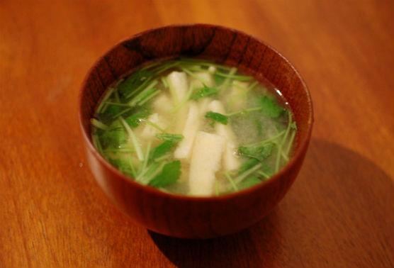 油揚げと三つ葉の味噌汁