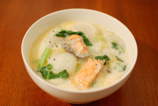 蕪と鮭のミルク煮