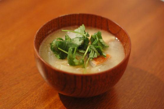 塩鮭入り味噌汁
