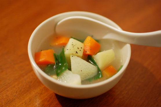 鶏出汁野菜スープ