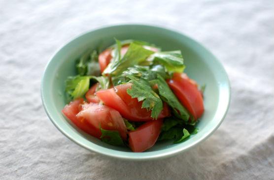 トマトとセロリのサラダ