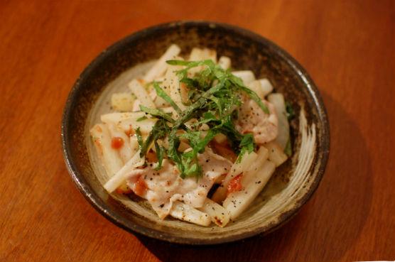 大根と塩豚の梅しそ炒め