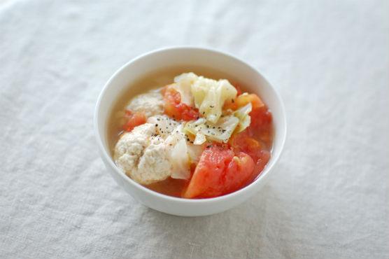 鶏団子とトマトのスープ