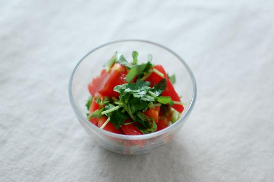 三つ葉とトマトのサラダ
