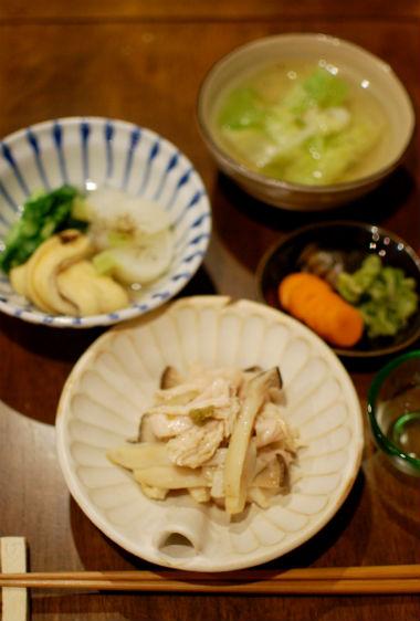 蒸し鶏ときのこの柚子胡椒和え、蕪の煮浸し献立
