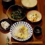 白菜重ね蒸し、炒め大根のスープで家飲み。