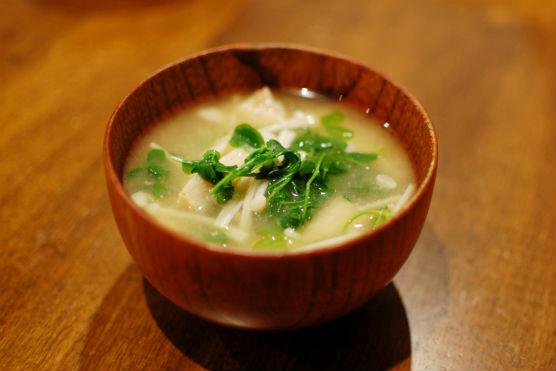 えのきと豆苗の味噌汁