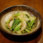 蕪とツナのしょうが蒸し焼き、納豆汁で晩酌。