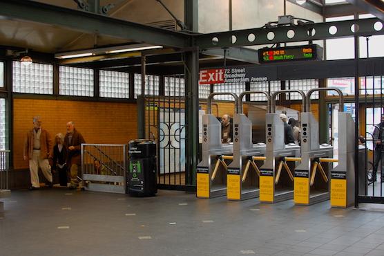 NY地下鉄の乗り方