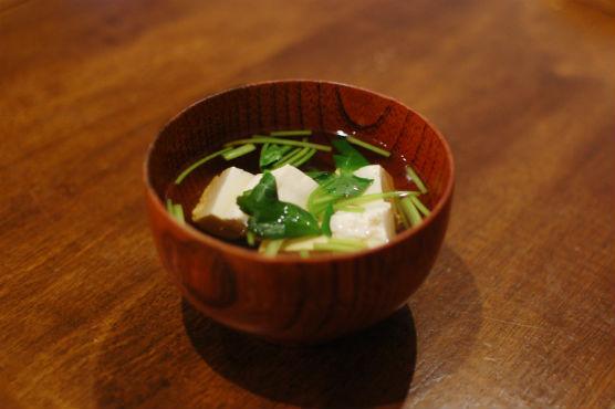 三つ葉と豆腐のすまし汁