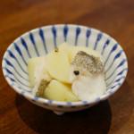 たらと新じゃがの塩煮、小葱と油揚げの酢味噌和え献立。