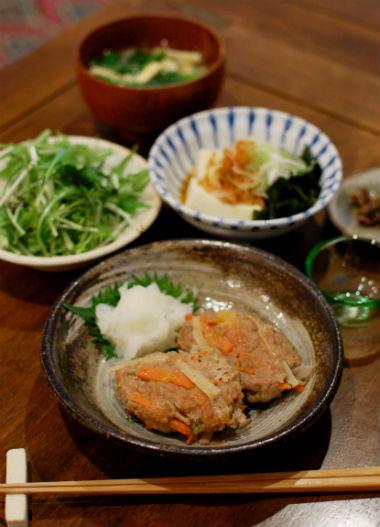 根菜入りつくね、たぬき豆腐献立。