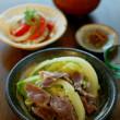 奈良漬 白菜と油揚げの味噌汁 新玉ねぎとトマトのサラダ 塩豚とキャベツの蒸し煮