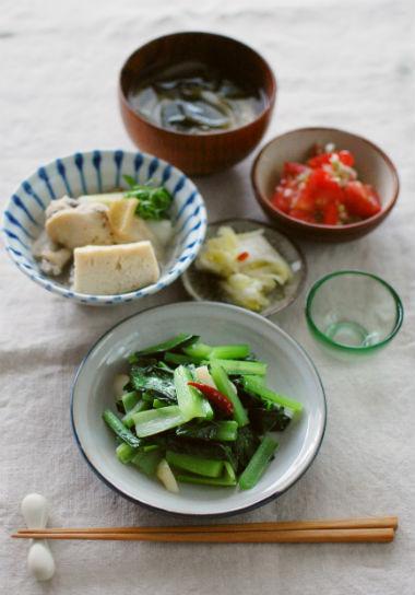 青菜炒め、トマトのナムル献立