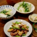 ホタルイカときのこのしょうゆ炒め、蕪とツナの煮もの献立。