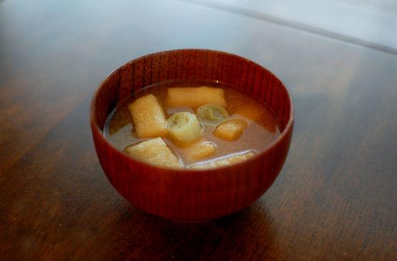 ねぎと油揚げの味噌汁