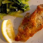 鶏もも焼き、小松菜のオイル蒸し。
