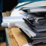 今日捨てたもの 8/11 残りがちな書類、手紙、写真。