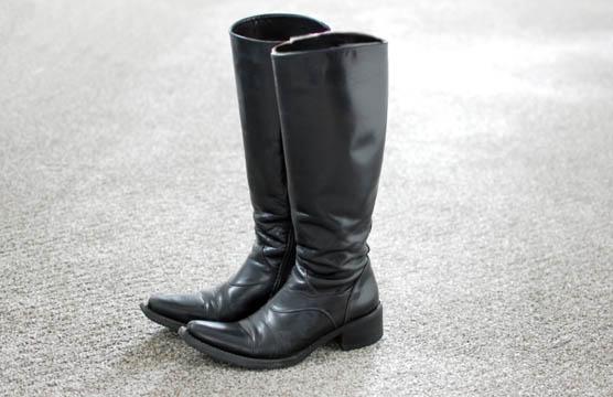 ミニマリスト女性ブーツ