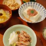 家飲み献立 11/14 せせり塩焼き、オレンジ白菜のスープ、自家製切り干し大根など全6品で晩酌。