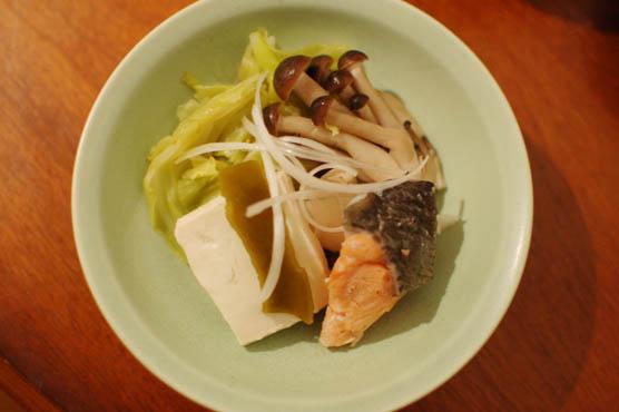 キャベツと塩鮭の昆布蒸し鍋 レシピ 150114d4