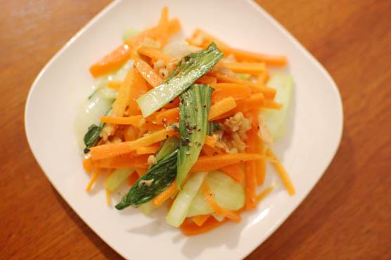 にんじんと青梗菜のツナ炒め レシピ