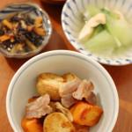 塩豚とじゃがいものオイル焼き、キャベツのおかか和え。