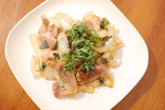 塩豚と玉ねぎの大葉炒め レシピ