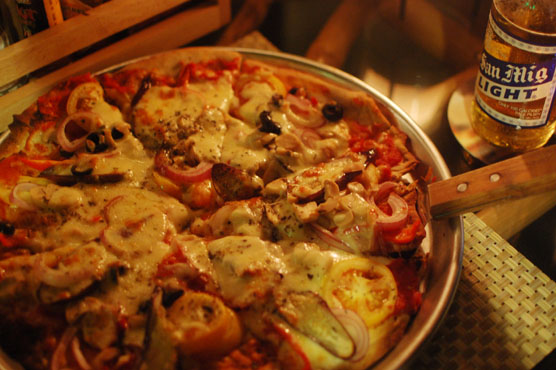 モアルボアル カフェセブアノ ピザ