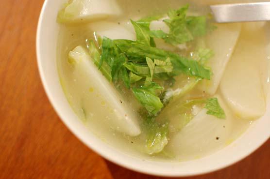 蕪とセロリのスープ