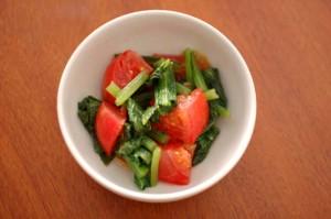 トマトと小松菜のサラダ