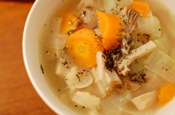 野菜だけのスープ