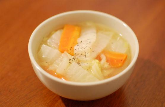白菜と人参のスープ煮