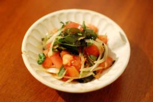 わかめとトマトのサラダ