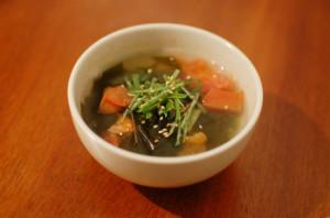 わかめとトマトのスープ