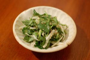 半干し大根と三つ葉のサラダ