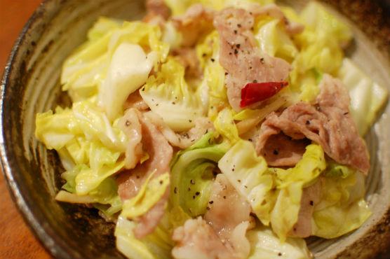 春キャベツと豚肉の生姜味噌炒め