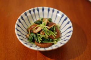 焼き椎茸と三つ葉の和え物