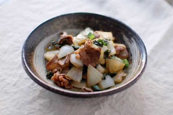 牛肉と新玉ねぎの炒めもの