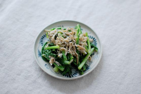 青菜としらすの炒めもの