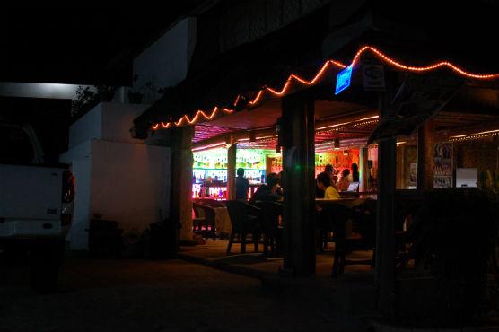 moalboal-restaurant_36