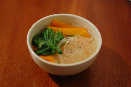 野菜と春雨のスープ